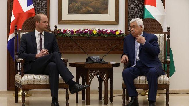Pangeran William menyampaikan harapannya akan perdamaian kekal di Timur Tengah, ketika dia bertemu dengan Presiden Palestina Mahmoud Abbas di Tepi Barat.