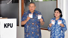 SBY Pantau Quick Count Pilkada di 'War Room' DPP Demokrat