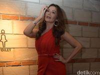 Dulu Minder, Kini Hotman Paris Coba 'tembak' Tamara Bleszynski Dengan Berlian
