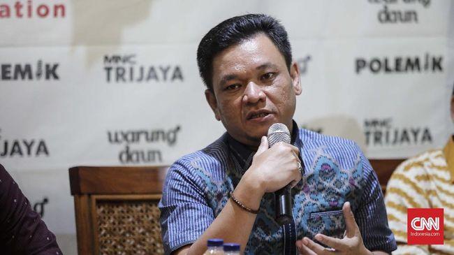 DPR meminta pemerintah mengevaluasi sebelum perpanjang PPKM Darurat. Jika belum terkendali, maka pengetatan tetap harus dilakukan.