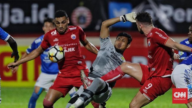 Persija Jakarta sukses mengalahkan Persib Bandung berkat gol salto Jaimerson Da Silva pada laga Liga 1 2018 di Stadion PTIK.