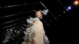 FOTO: 'Biologi' dalam Koleksi Busana Couture Iris Van Herpen