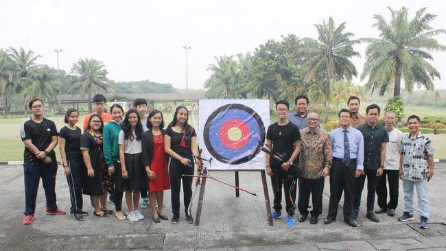 President Archery Club yang didirikan oleh President University menargetkan dapat mencetak prestasi para mahasiswa di bidang olah raga tersebut.