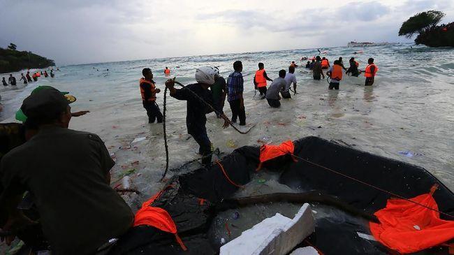 Basarnas menyebut jumlah korban tenggelamnya Kapal Motor Lestari Maju sebanyak 189 orang. Kapolri telah memerintahkan jajarannya untuk menyelediki kasus itu.