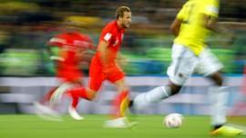 FOTO: Timnas Inggris ke Perempat Final Usai Drama Adu Penalti