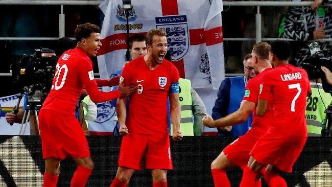 Transmedia kembali menggelar konser kemeriahan jelang laga semifinal Piala Dunia 2018 antara Kroasia dan Inggris di Lapangan Sunburst, BSD City, Rabu (11/7).