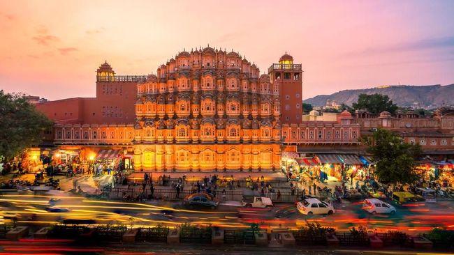 Jika ingin lebih murah, datanglah ke India saat musim sepi turis, tepatnya setelah atau sebelum Oktober-Maret.