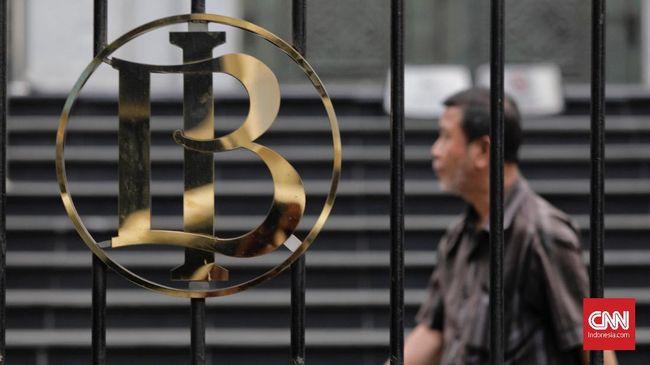 BI menyoroti lambatnya perbankan menyesuaikan bunga kredit bank di tengah pemangkasan suku bunga acuan BI mencapai level terendah di 3,75 persen.