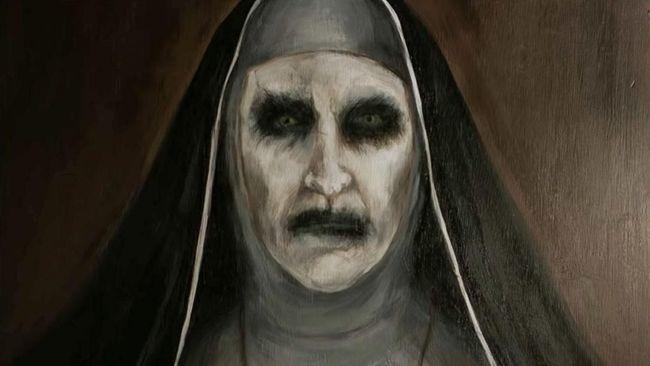 Sutradara 'The Nun' Corin Hardy berbagi pesan dan gambaran film horor lepasan 'The Conjuring' tersebut hanya kepada pembaca CNNIndonesia.com.