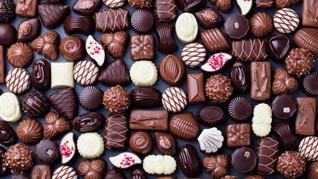 Penduduk Kota di Swiss Dikejutkan Hujan Cokelat