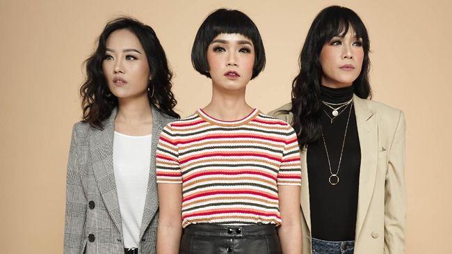 Lagu lawas 'Bohong' milik K3S kini dinyanyikan kembali oleh grup Tiga dengan genre electronic dance music (EDM), alih-alih bergenre pop.