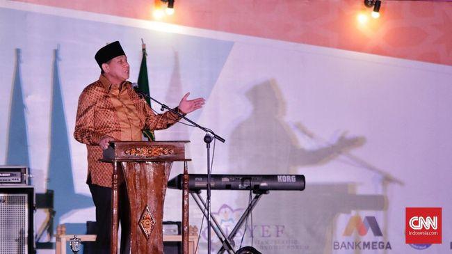 Chairul Tanjung menyatakan seharusnya umat Islam di Indonesia lebih giat dan berani mengambil peluang untuk bersaing dengan kekuatan ekonomi lain.