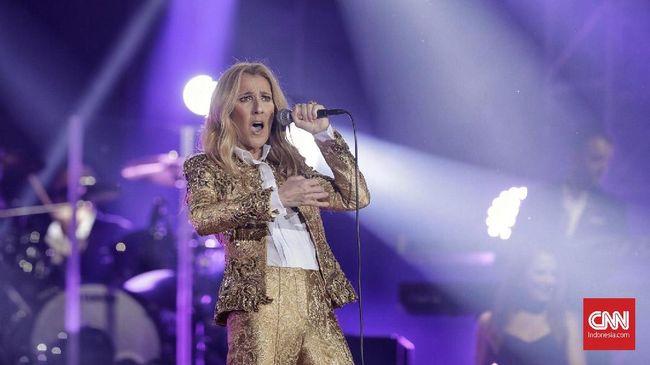 Celine Dion mengakui bahwa dirinya lebih memilih untuk membawa dua ekor anjing peliharaan untuk dibawa saat tur ketimbang anak-anaknya.