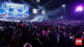 Transmedia Gelar Parade Bola Raksasa Piala Dunia 2018