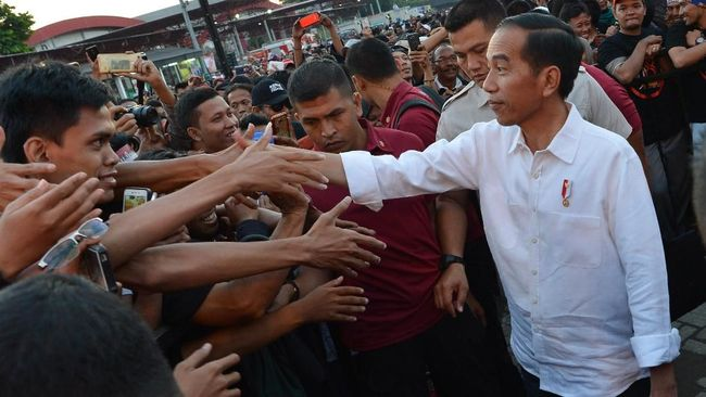 Sejumlah kandidat cawapres telah dikantongi Jokowi untuk maju pilpres 2019. Tokoh dari luar parpol diprediksi jadi calon kuat agar koalisi pendukung tak pecah.