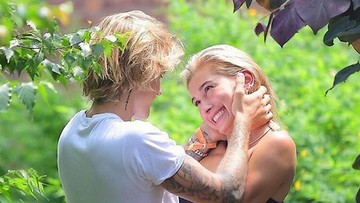 Pasangan yang Nikah Muda Ini Bisa Jadi Inspirasi Hailey Baldwin