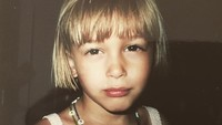 <p>Saat masih kecil, wajahnya mirip banget sang ayah ya, Bun? (Foto: Instagram @haileybaldwin)</p>