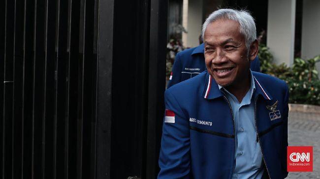 Petinggi Demokrat Agus Hermanto menyebut reuni 212 sesuai aturan meski kadernya, Ferdinand Hutahaean, mengunggah seruan ganti presiden di gelaran itu.