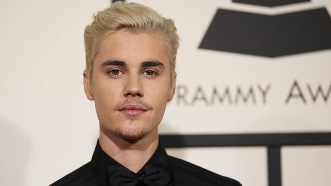Justin Bieber mengumumkan dirinya akan kembali dengan sebuah album baru untuk penggemarnya, sesegera mungkin.