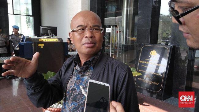 Wakil Ketua Komisi III DPR RI mengatakan komisinya bingung memosisikan diri usai mendengar penjelasan keluarga korban tewas bentrok polisi dan FPI.