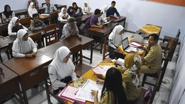 Antrean PPDB Zonasi SMA 39 Jakarta Mengular dari Pagi Buta