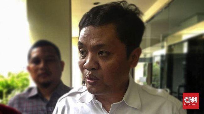 Pembekuan akun Twitter Ketua DPP Gerindra Habiburokhman bertepatan dengan rencana peluncuran progam konsultasi internet sehat miliknya.