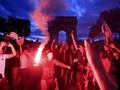 FOTO: Rayakan Kemenangan, Suporter  Prancis Ricuh