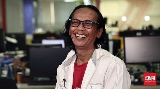 Mandra Sambut Kelahiran Anak di Usia 54 Tahun