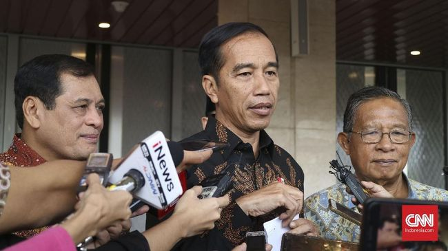Presiden Joko Widodo menyebut kepala daerah sering lupa bahwa inflasi perlu dipantau langsung karena menyangkut hajat hidup orang banyak.