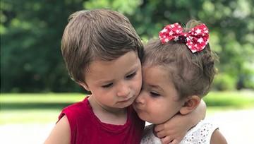 Hati Jadi Adem Melihat Kakak dan Adik Rukun Seperti Ini