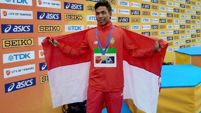 Lalu Muhammad Zohri mendapat rumah baru sebagai bentuk apresiasi Pemerintah Republik Indonesia atas prestasinya juara di Kejuaraan Atletik Dunia U-20.