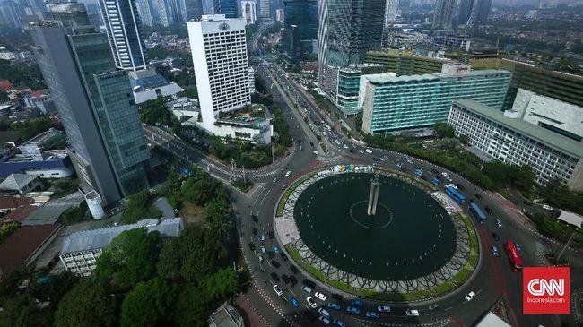 Pengamat tata kota meminta pemerintah untuk memeratakan pembangunan ketimbang memindahkan ibu kota negara ke luar Jakarta karena berpotensi mubazir.
