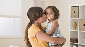 Tentang Refleks Minta Maaf yang Bisa Dipelajari Anak dari Ortu