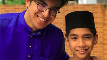 Kedekatan Menpora Ganteng Malaysia Syed Saddiq dengan Anak-anak