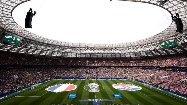 Upacara penutupan Piala Dunia 2018 berlangsung meriah dengan kehadiran nama tenar seperti Ronaldinho dan Will Smith.