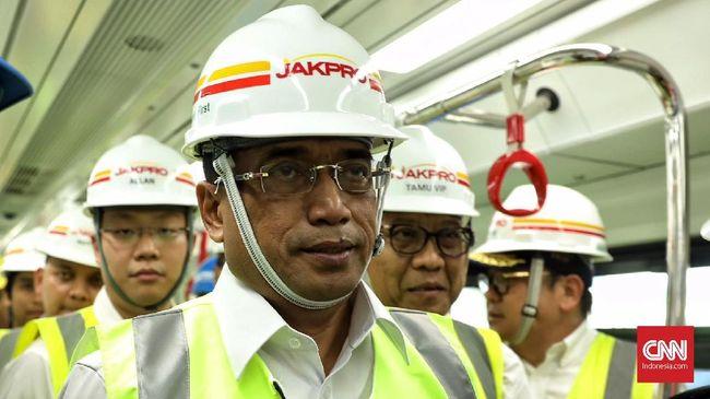 Kemenhub menargetkan Runway III Bandara Internasional Soekarno- Hatta bisa dioperasikan November mendatang supaya kapasitasnya bisa meningkat.