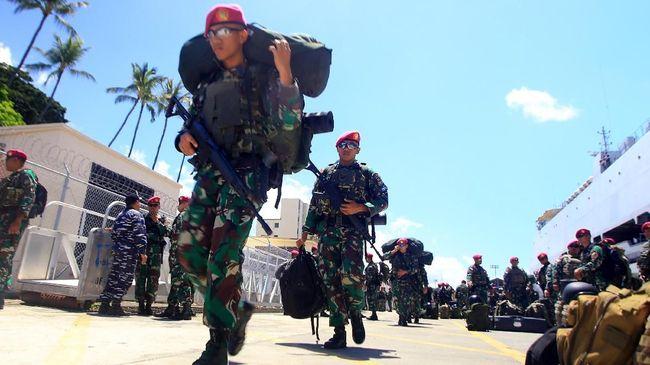 Pengamat militer dari ISESS Khairul Fahmi menyebut rencana penempatan perwira TNI di posisi strategis kementerian/lembaga melawan amanat reformasi.