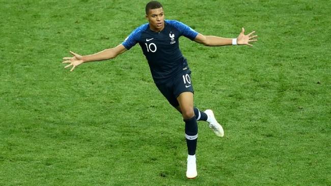 Kylian Mbappe menjadi salah satu pemain yang bersinar di Piala Dunia 2018. Pemain muda Perancis itu menjadi pemain muda terbaik dan merupakan pencetak gol terbanyak Les Bleus bersama dengan Antoine Griezmann. (REUTERS/Michael Dalder)