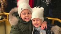 <div>Rukun selalu ya jagoan cilik serta gadis kecilnya Ayah Ivan dan Bunda Josipa. (Foto: Instagram/ @joop8)</div><div></div>
