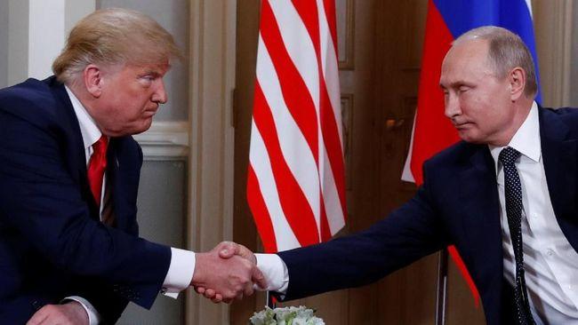 Kremlin menyatakan bahwa Washington telah memastikan pertemuan Donald Trump dan Vladimir Putin setelah sebelumnya Presiden AS itu sempat mengancam membatalkan.