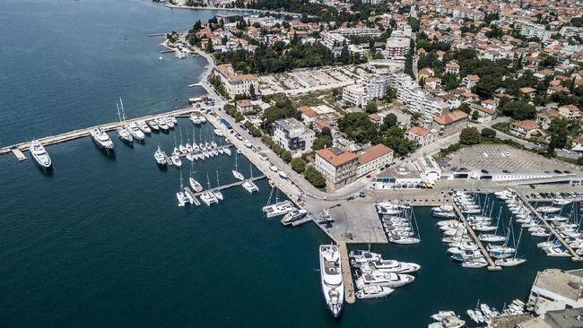 Selain matahari terbenam dan tradisi sepak bola, Zadar memiliki banyak objek wisata yang patut didatangi.