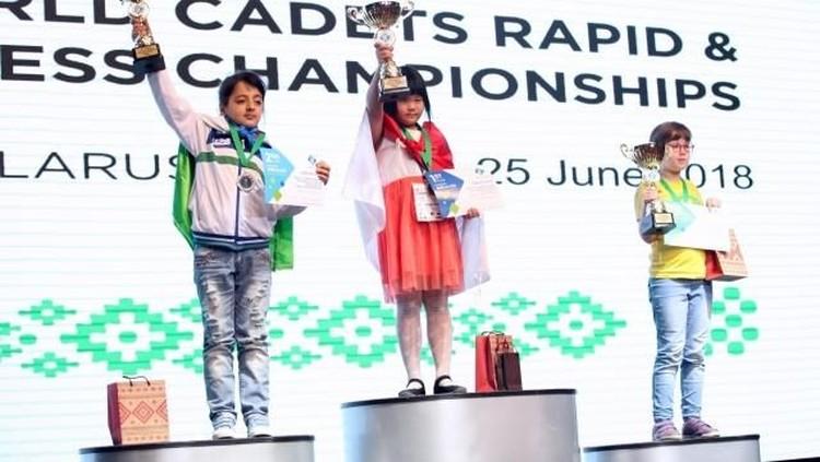 Bocah perempuan ini keren banget deh, Bun. Di usianya yang masih belia jadi jawara kejuaraan catur tingkat dunia.
