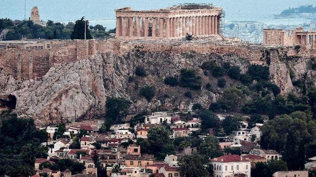 Pemerintah Yunani meminta penduduk sementara tidak bepergian menghindari gelombang panas yang mencapai suhu 40 derajat Celcius.