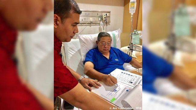 Usai dirawat SBY sudah bisa bekerja dan memberi arahan. Bahkan Ketum Demokrat itu tetap akan menemui Ketum Gerindra Prabowo Subianto pekan depan.