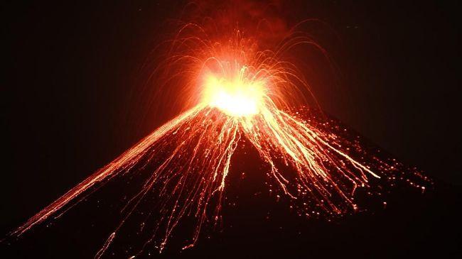 BMKG mencatat sepanjang Sabtu (1/9) sampai dengan Minggu (2/9) dini hari Gunung Anak Krakatau  telah mengeluarkan 56 kali letusan.