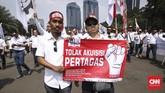 Akibat akuisisi Pertagas, ribuan pegawai yang tergabung dalam Federasi Serikat Pekerja Pertamina Bersatu (FSPPB) menggugat Menteri BUMN Rini Soemarno.