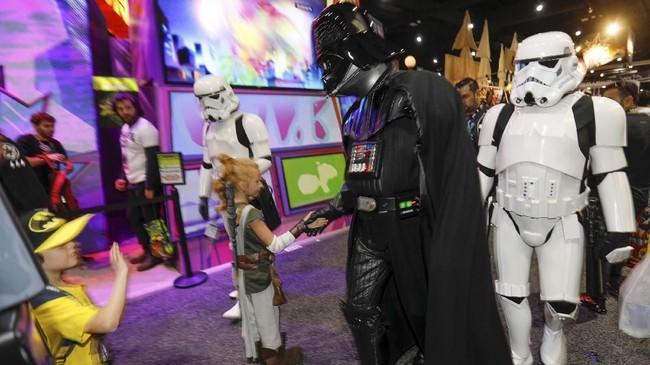 Para penggila komik berkumpul di San Diego untuk Comic Con, ajang tahunan bagi pencinta komik, film dan pahlawan super yang diselenggarakan di Amerika.