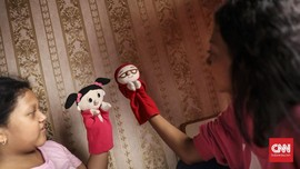 FOTO: Kala Suara Sasha dan Rara Beri 'Nyawa' Boneka