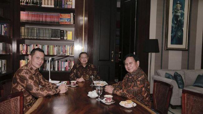SBY dinilai sedang memainkan strategi politik dengan mengungkit hubungannya dengan Megawati Soekarnoputri untuk mendapat simpati publik dan naikkan posisi AHY.