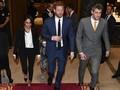 Pangeran Harry 'Benci' Meghan Markle Pakai Tuksedo